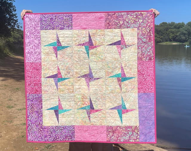 This image has an empty alt attribute; its file name is Butterfly-Blooms-Preeti-Harris-quilt-1.jpeg